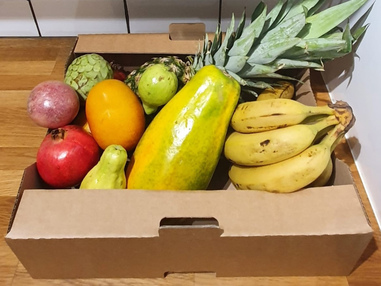 Exotic Delights Small Fruit Box